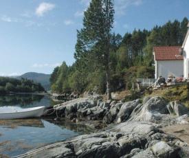 Four-Bedroom Holiday home in Gurskøy 1