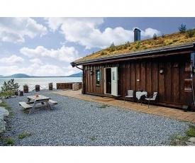 Holiday home Ikornnes Hytte