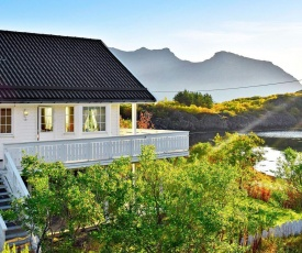 Holiday home Ballstad II