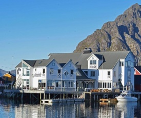 Henningsvær Bryggehotell - by Classic Norway Hotels