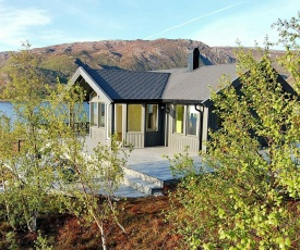 Three-Bedroom Holiday home in Inndyr