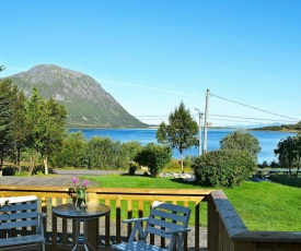 Two-Bedroom Holiday home in Laupstad 5