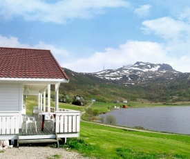 Three-Bedroom Holiday home in Leknes 1