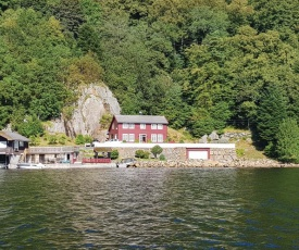 Amazing home in Farsund w/ 4 Bedrooms