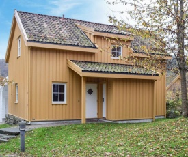 Awesome home in Farsund w/ WiFi and 4 Bedrooms