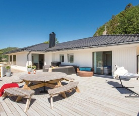 Nice home in Farsund w/ WiFi and 4 Bedrooms