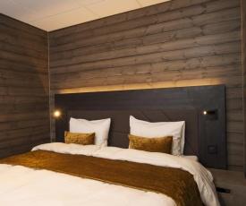 Svalbard Hotell   Lodge