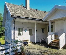 One-Bedroom Apartment in Hidrasund