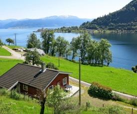 Holiday Home Pærehagen (FJS297)