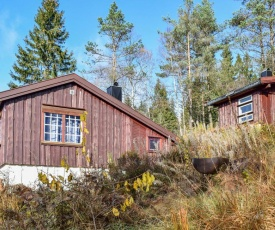 Stunning home in Kvinesdal w/ Sauna and 2 Bedrooms