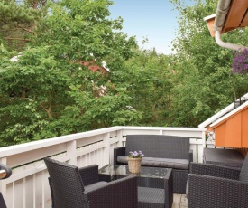 Beautiful apartment in Lillesand w/ WiFi and 2 Bedrooms