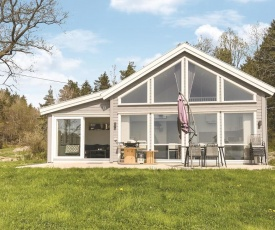 Three-Bedroom Holiday Home in Lillesand