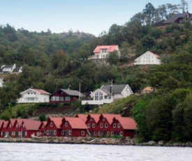 Four-Bedroom Holiday home in Lindesnes 2