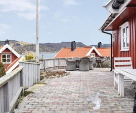 Four-Bedroom Holiday Home in Spangereid