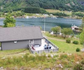 Three-Bedroom Holiday Home in Korssund