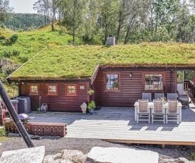 Stunning home in Lonevåg w/ 2 Bedrooms