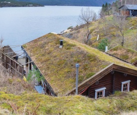 Three-Bedroom Holiday Home in Nordtveitgrend
