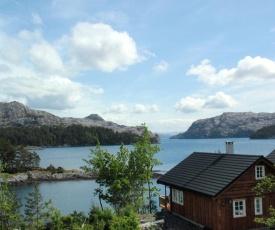 Holiday Home Blåbærhytta (FJH646)