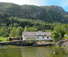 Holiday Home Henrikhus (FJH604)