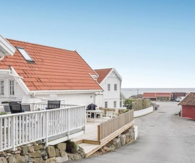 Stunning apartment in Lindesnes w/ 2 Bedrooms
