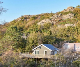 Stunning home in Lindesnes w/ 2 Bedrooms