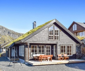 Stunning home in Skare w/ WiFi and 5 Bedrooms