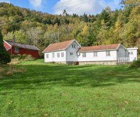 Awesome home in Lyngdal w/ WiFi and 5 Bedrooms