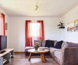 Beautiful apartment in Lyngdal w/ 2 Bedrooms