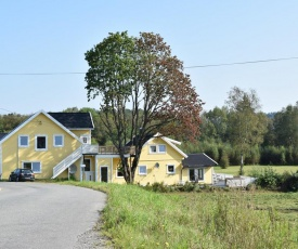 Beautiful apartment in Lyngdal w/ WiFi and 3 Bedrooms