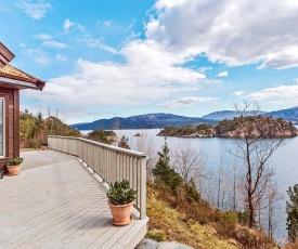 Holiday home VALEVÅG