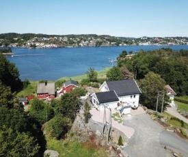 Heia, Hisøy