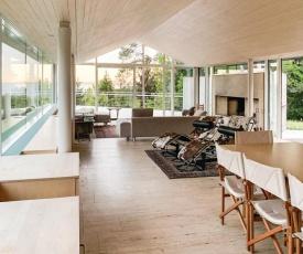 Three-Bedroom Holiday Home in Holmsbu
