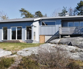 Awesome home in Sandefjord w/ 3 Bedrooms