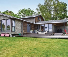 Awesome home in Sandefjord w/ 5 Bedrooms