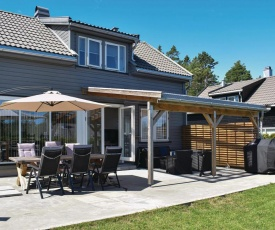 Awesome home in Risør w/ Indoor swimming pool, WiFi and 4 Bedrooms