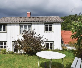 Awesome home in Risør w/ WiFi and 4 Bedrooms
