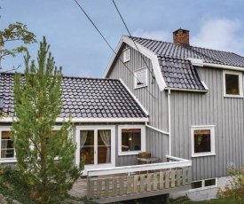 Four-Bedroom Holiday Home in Tvedestrand