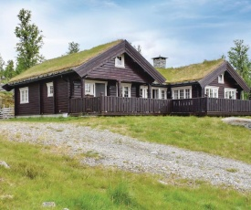 Stunning home in Gålå w/ Sauna, WiFi and 3 Bedrooms