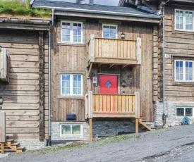 Four-Bedroom Apartment in Sjusjoen