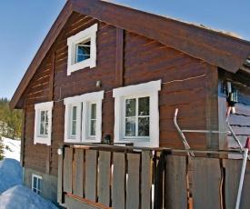 Two-Bedroom Apartment in Sjusjoen