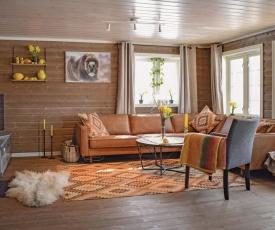 Four-Bedroom Holiday Home in Tisleidalen