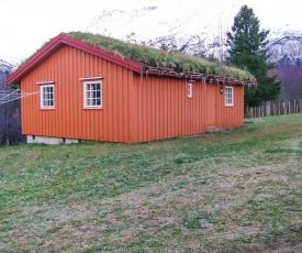 Holiday home Eresfjord Øverås II