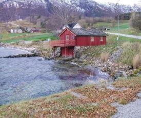 Holiday home Eresfjord Øverås IV