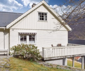 Three-Bedroom Holiday Home in Folkestad